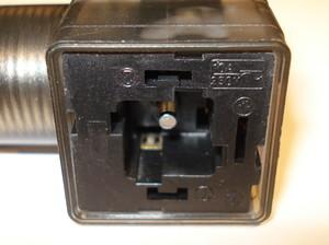 Kabelkontakt utan kabel 230V AC/DC kvadratisk