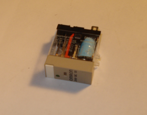 Relä Omron 24VDC G2R-1-SND